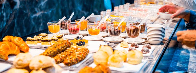 O brunch é uma ótima opção para eventos no meio da manhã.