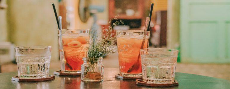 drinks no casamento durante o verão
